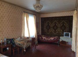 Дом в Петропавловской Борщаговке