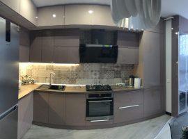 ЖК «ЕХО ПАРК»,простора однокімнатна квартира з меблями та технікою, здається вперше.